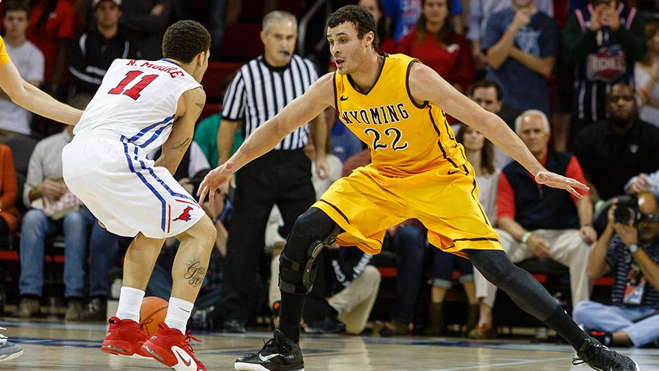 Larry Nance Jr guards a player during the Cowboys vs SMU game earlier this season. Nance and the Cowboys return home this weekend to take on the New Mexico Lobos. (Photo via SI.com)