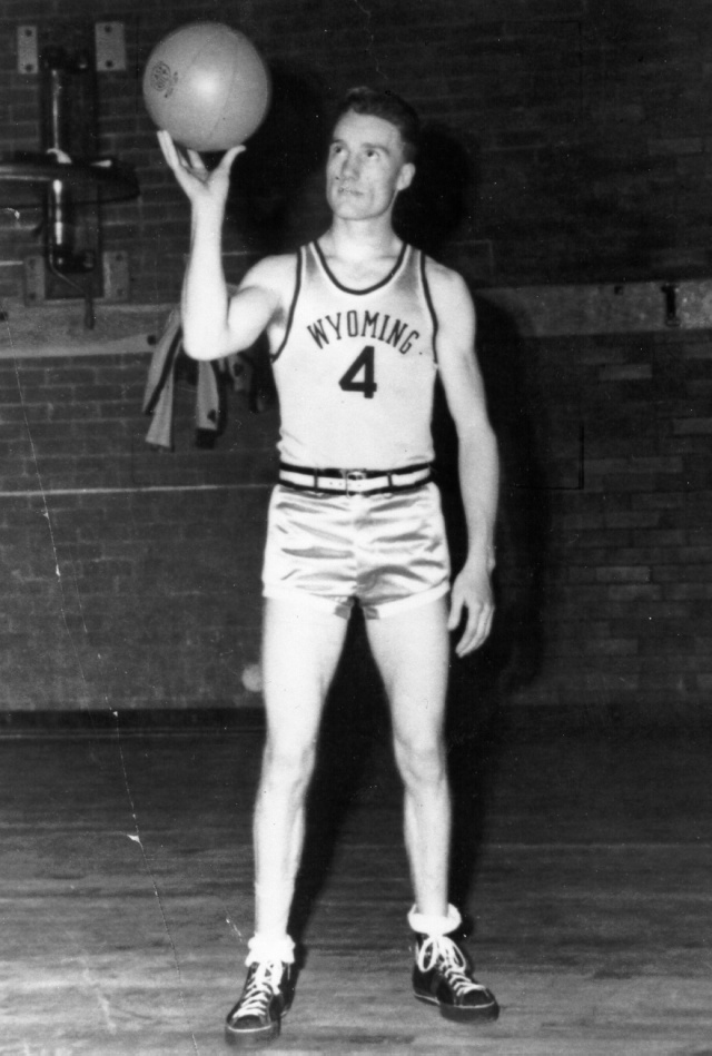 Kenny Sailors, the inventor of the modern day jump shot, passed away on Saturday at 95 years old. (Photo via Wyoming Athletics)